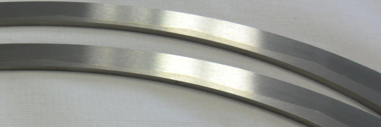 Bovengeleiding van staal en hardmetaal.